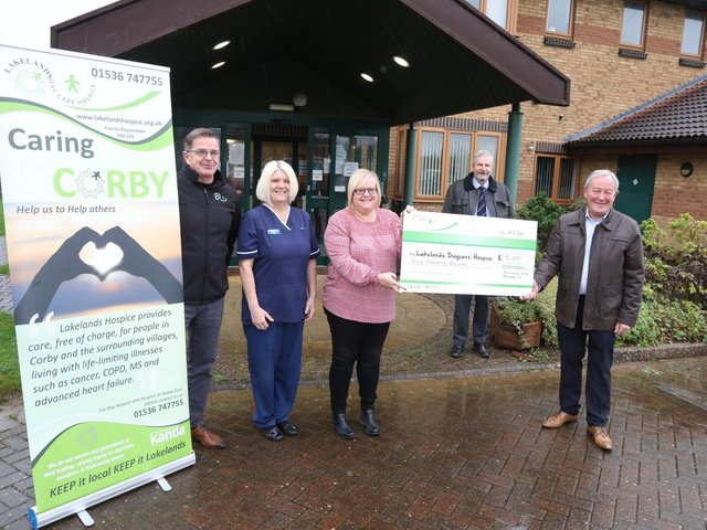 l-r Lakelands Bubble Paul Marlow (head of fundraising), Tracy Glen (nurse manager), Sue Hall (trusts and grants officer) with Dr Kevin Williams and James Spence from Masons