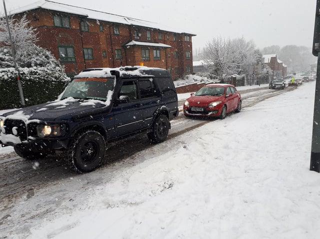 Northants Off-Roaders help motorists in Northampton Road, Kettering