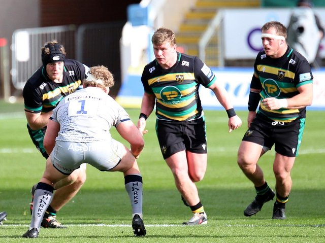 Reece Marshall (centre) in action against Sale (picture: Peter Short)