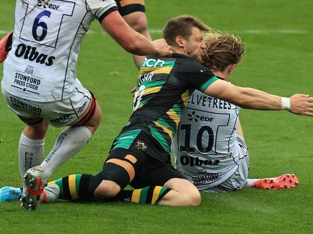 Dan Biggar was forced off after an unfortunate clash with Billy Twelvetrees