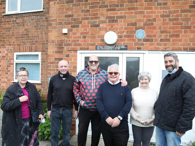 Dennis Taylor and Cllr Pengelly (centre) along with members of the East Lloyds Tenants and Residents Association.