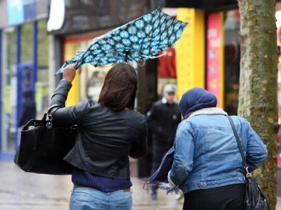Health experts fear wind and rain will force more people indoors over the weekend, adding to the possible spread of Covid cases.