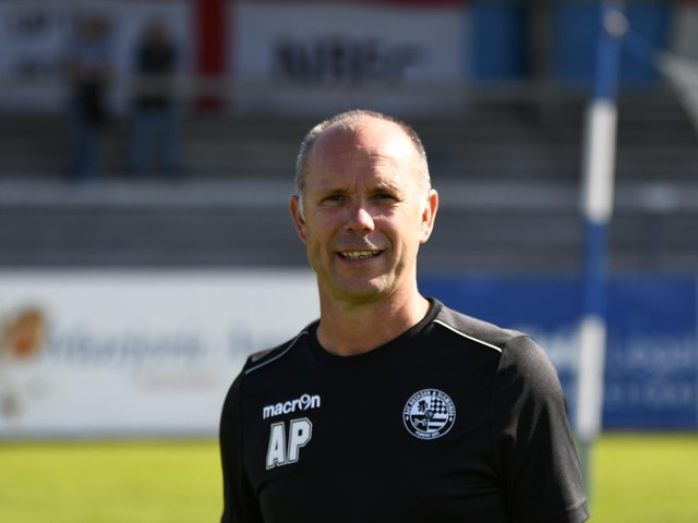 Andy Peaks' AFC Rushden & Diamonds will kick-off their new season with a midweek home clash against Banbury United. Picture courtesy of Hawkins Images